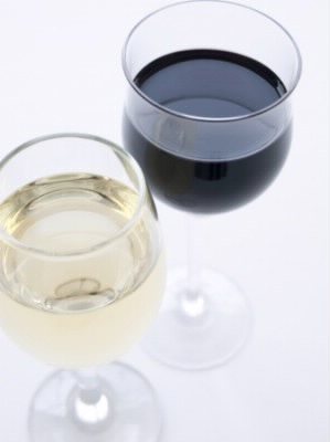 白と赤のワイン
