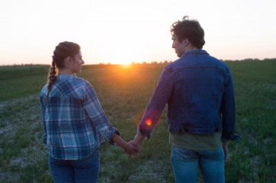 草原のカップル