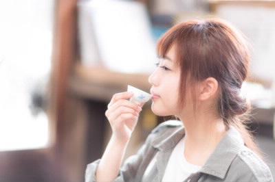 日本酒と女性