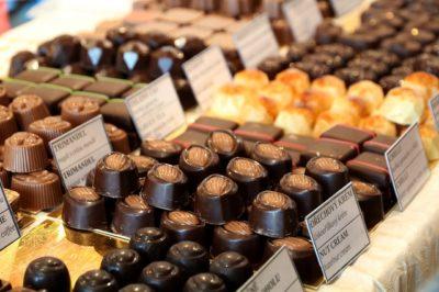 プラリネのチョコレート