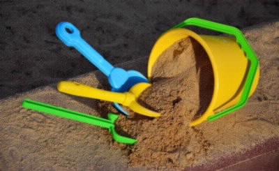 砂場の遊び道具